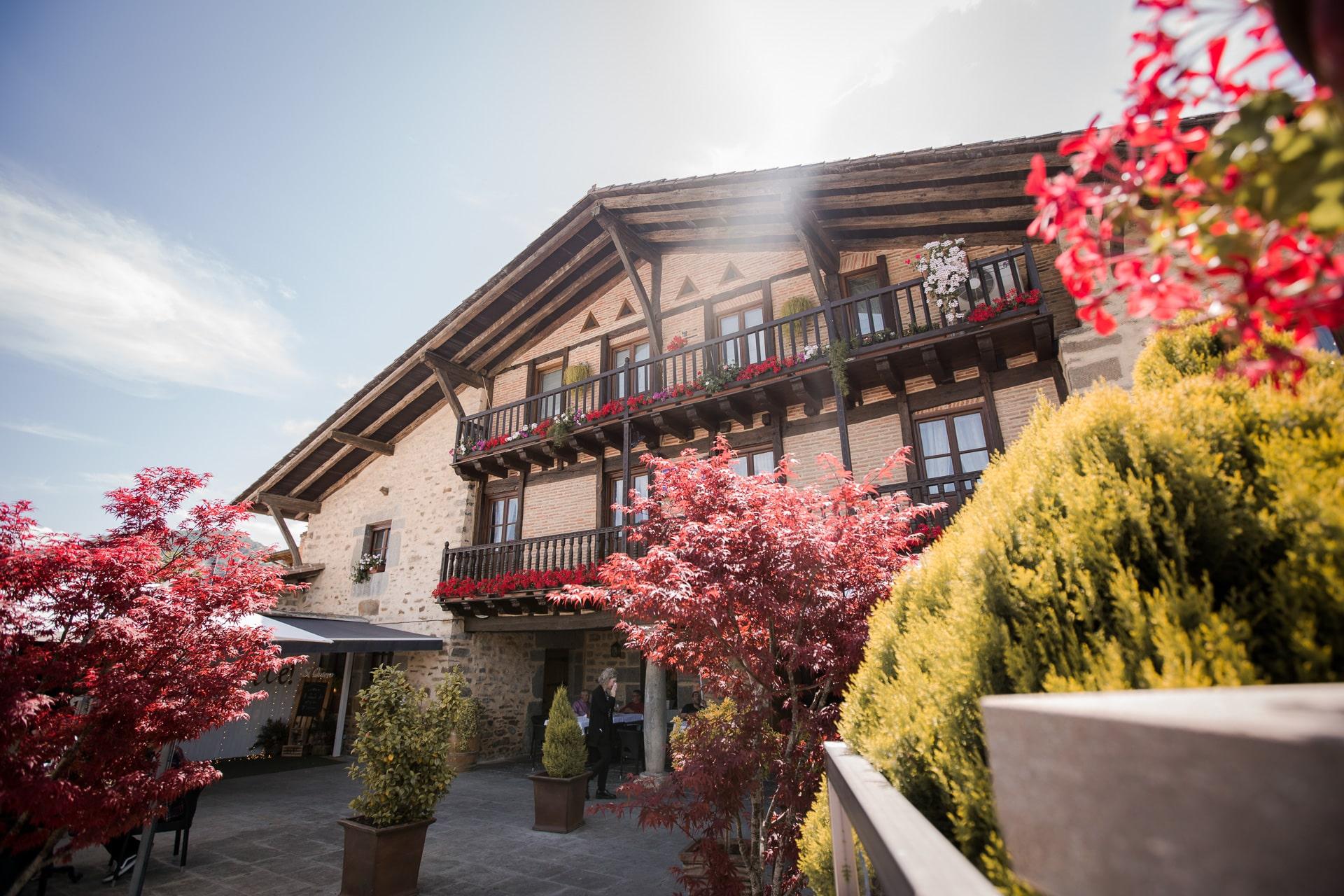 restaurante_bideko-exteriores-terraza-cocina_tradicional_vasca-restaurantes_vizcaya-restaurantes_alava-comer_en_euskadi-bideko-amurrio-lezama (41)